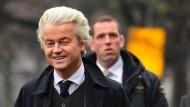 Geert Wilders am Mittwoch vor der türkischen Botschaft in Den Haag