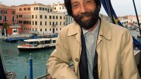 Massimo Cacciari vor Kanal