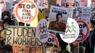 Protestmarsch Tausender Studenten in London am Ende des vergangenen Jahrs