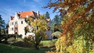 Schloss Janowitz in seinem heutigen, renovierten Zustand