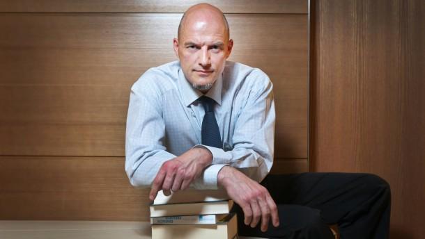 Thorsten Wiedau - Er war Deutschlands beliebtester Online-Rezensent bei Amazon. Inzwischen verfasst er keine Rezensionen mehr und kritisiert das Rezensenten-Ranking bei Amazon.