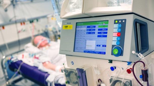 Krankenhäuser reduzieren Betten für Covid-Erkrankte
