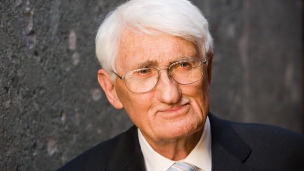 Jürgen Habermas kommt zur Eröffnung der Habermas-Ausstellung.