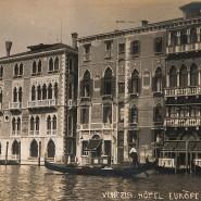 """Ansichtskarte des Hotels, in dem """"ein gewisser Marcel Proust"""" gesichtet wird."""