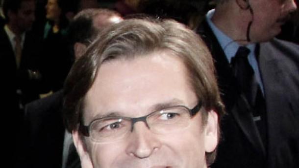 Claus Strunz talkt für Sat.1
