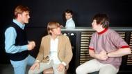 Ob die anderen Beach Boys ahnten, welche Stimmen Brian Wilson (rechts) im Kopf hatte?