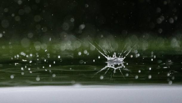 Warum Regentropfen unterschiedlich groß sein können