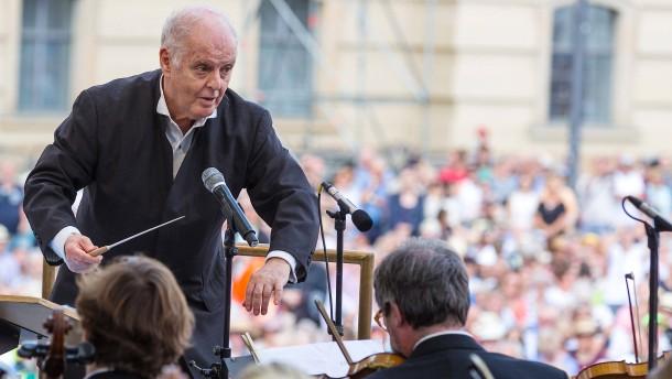 Dirigent Barenboim weist Kritik an Führungsstil zurück