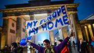 2017 in Berlin: Flaggenparade des Erasmus Student Network zum 30. Geburtstag des Erasmus-Programm