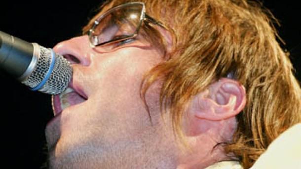 Statische Show der Rock-Rüpel: Oasis in Berlin