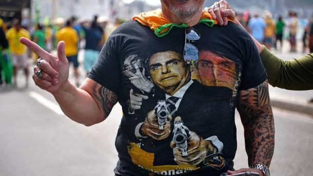 Die Fanatiker halten zu Bolsonaro