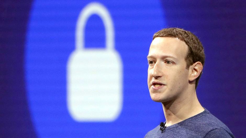 Einlenken unter Druck: Facebook-Chef Mark Zuckerberg bei einer Entwicklerkonferenz Anfang Mai 2018