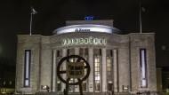 """Für die Nachfolgeregelung von Theaterintendanten gibt es kein Patentrezept, meint Klaus Wowereit, der sich im Streit um die """"Volksbühne"""" anders verhalten hätte."""