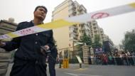 Absperrung zur Wohnung von Liu Xiaobos Frau Liu Xia