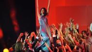 Sternschnuppen der Menschheit: Die Siegerin des diesjährigen Top-Model-Wettbewerbs, Alisar Ailabouni