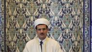 Europäisierung des Islam: Imam Mikail Taysan in der größten Moschee Baden-Württembergs