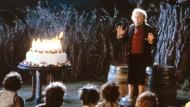 """Bilbo feiert Geburtstag, und in aller Welt feiern Tolkien-Fans mit ihm den """"Welt Hobbit Tag"""": Szene mit Ian Holm in der Verfilmung von """"Der Herr der Ringe – Die Gefährten"""" aus dem Jahr 2001."""
