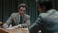 """Kalter Krieg, auf dem Schachbrett ausgetragen und in """"Bauernopfer"""" in Szene gesetzt: Boris Spasski (Liev Schreiber, links) gegen Bobby Fischer (Tobey Maguire) bei der Schachweltmeisterschaft 1972 in Reykjavik."""
