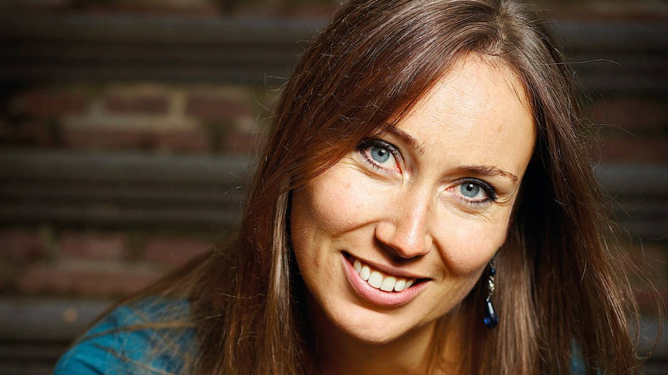 Die niederländische Autorin Anna Woltz, Jahrgang 1981, wurde vielfach ausgezeichnet.