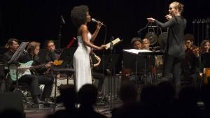 Leiten Frauen ein Orchester anders als Männer?