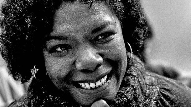 Wer war Maya Angelou?