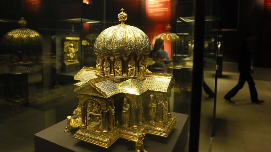 Eines der vierundvierzig in Berlin verbliebenen Teile des Welfenschatzes: Kuppelreliquiar vom Ende des 12. Jahrhundert im Bode-Museum