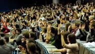 Die Landesregierungen wollen den Studenten-ansturm zum Wintersemester mit Millionen-investitionen auffangen