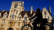 Die Universität Oxford ist Schauplatz erbitterter Debatten.