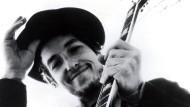 Seit vielen Jahren steht Bob Dylan bei Wetten um den Literaturnobelpreis ganz oben. Nun hat sich die Jury endlich durchringen können.