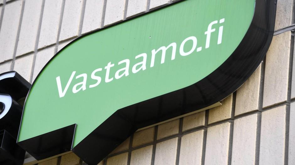 Logo der Firma Vastaamo an ihrem Psychotherapiezentrum in Helsinki, aufgenommen am 24. Oktober 2020