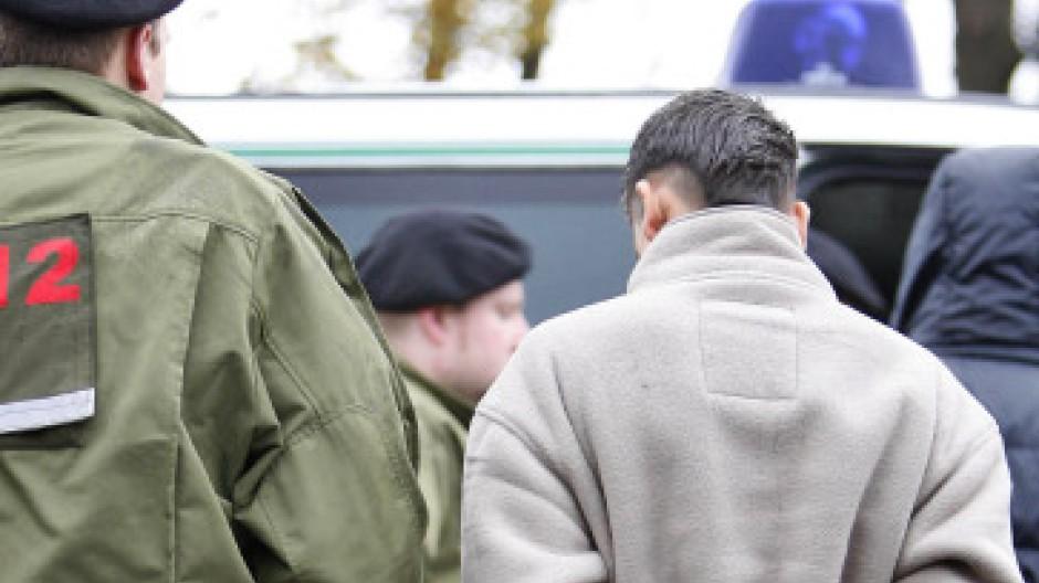 Rechte durchsetzen: Verhaftung eines Jugendlichen in Berlin