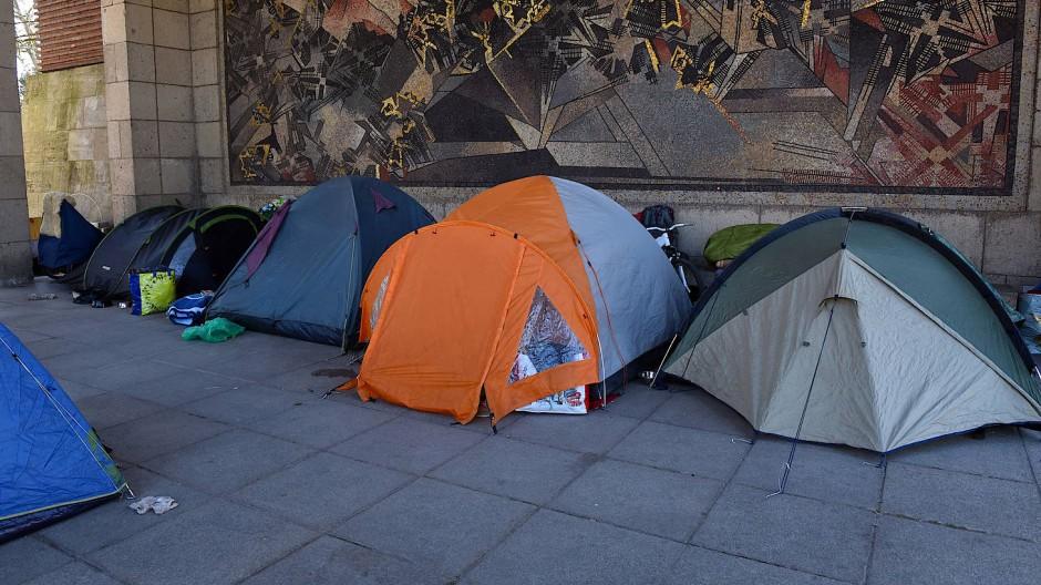 Zelte von Obdachlosen in Düsseldorf