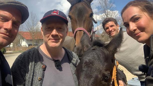 Vom Fußballer mit Pferd zum Yogi in die Höhle