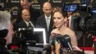 """Hilary Swank gewann gerade einen Leoparden beim Filmfestival von Locarno. Ihren neuen Film """"The Hunt"""" wird das Publikum nicht so bald sehen."""