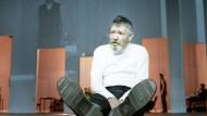 Kein zerstörtes Meisterwerk der Schöpfung: Pierre Bokma als König Lear in Bochum