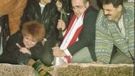 Glück der Revolution: Gibt es bessere Bilder für eine gesamtdeutsche Erzählung als die vom 9. November 1989?