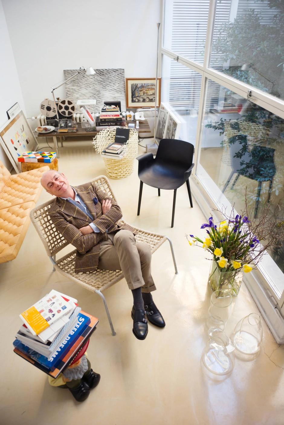 Porträt Des Designers Piero Lissoni Gelbe Sthle Passen Zu Welcher Kche
