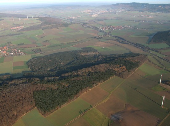 Der Schlachtplatz aus der Vogelperspektive: der Höhenzug über dem Nettetal