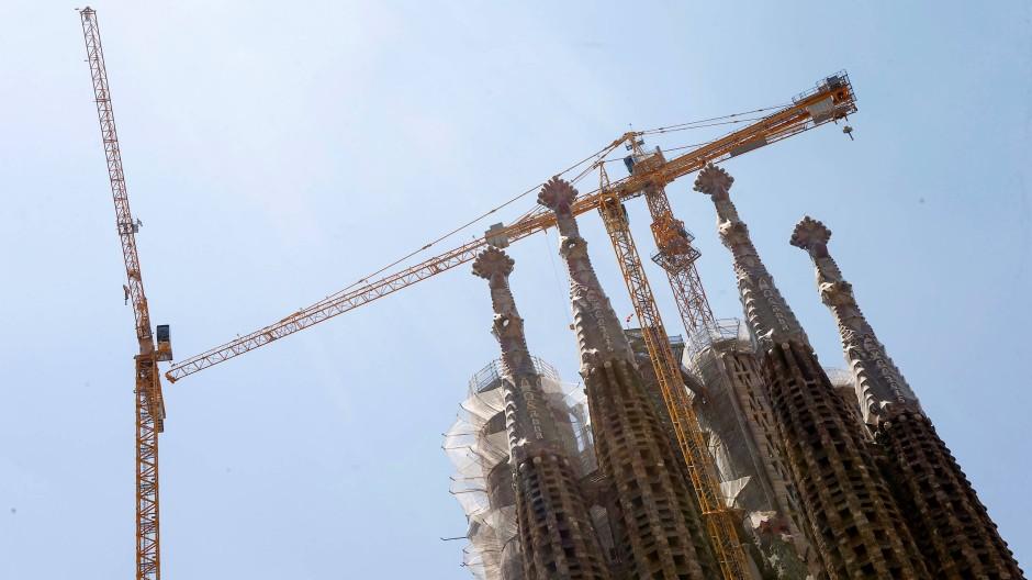 Na endlich, geht doch: Nach 137 Jahren soll die Kathedrale im Herzen Barcelonas beendet werden. Das gefällt nicht allen.