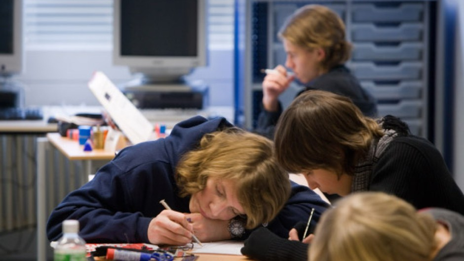 Unterricht für Hochbegabte mit Aufmerksamkeitsdefizit an einem Gymnasium in Baden-Württemberg