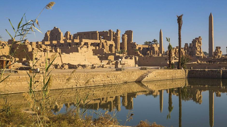 Die ägyptischen Behörden warnen davor, dass die Monumente verfallen, wenn nicht bald wieder mehr Besucher kommen und Geld für deren Pflege zurücklassen.