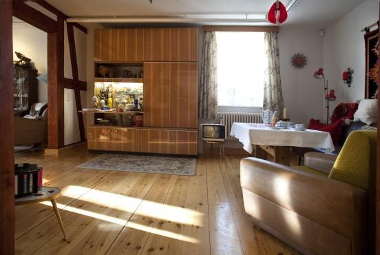 Bilderstrecke zu heimatmuseen im osten alles original ddr bild 4 von 5 faz - Anbauwand wohnzimmer ...