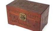 Ein Kästchen mit einer halben Portion Asche aus dem Nachlass von Joanne Carson: Ob es sich um Truman Capotes sterbliche Überreste handelt, ist nicht mehr nachzuweisen.