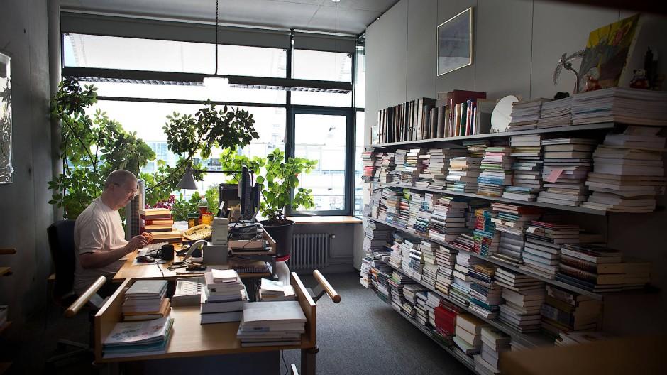 Maschinen lesen Bücher: Deutsche Nationalbibliothek setzt auf Technik