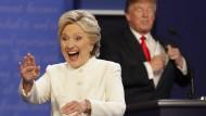 Hillary Clinton und Donald Trump bei der dritten Präsidentschaftsdebatte in Las Vegas