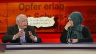 """Gäste bei """"hart aber fair"""": Meral Sahin, die das Bombenattentat in Köln erlebte, und der ehemalige bayerische Innenminister Günther Beckstein"""