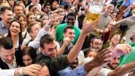 Beim Oktoberfest steht das Bier im Mittelpunkt, die Sorten sind genau festgelegt.