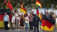 Demonstration der islamfeindlichen Pegida-Bewegung anlässlich des Besuchs von Bundeskanzlerin Merkel im Sächsischen Landtag