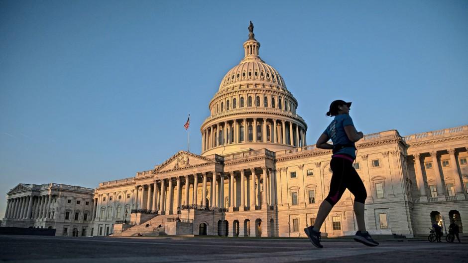 Das Kapitol in Washington: Amerikas Regierung droht immer wieder das Geld auszugehen.