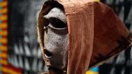 Maske mit Tapa-Stoff aus Neuseeland im Rautenstrauch-Joest-Museum in Köln